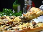 פיצה מוקרמת