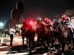 פרשי המשטרה הערב בהבימה בתל אביב