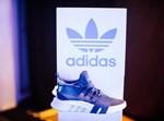 מותג נעלי Adidas