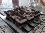 עוגת שכבות טורט, שוקולד וקצפת חלקה