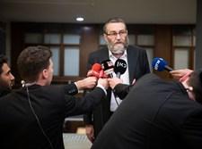 משה גפני במסיבת עיתונאים