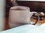 תה עם ספר קריאה