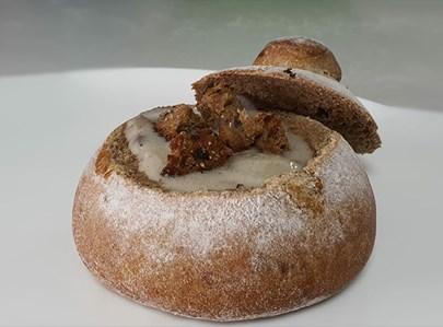 קעריות לחם במילוי מרק פטריות מוקרם
