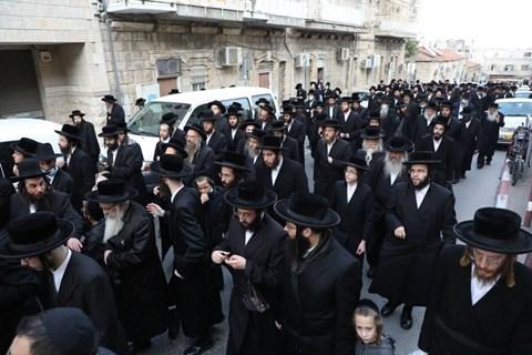 """הלווית הרבנית ליבה הלברשטאם ע""""ה"""