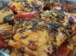 עוף בתנור עם תפוחי אדמה ברוטב אריסה ולימון כבוש