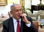 ראש הממשלה נתניהו משוחח בטלפון