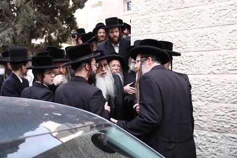 """ביקור האדמו""""ר מצאנז בבית מדרשו בירושלים"""