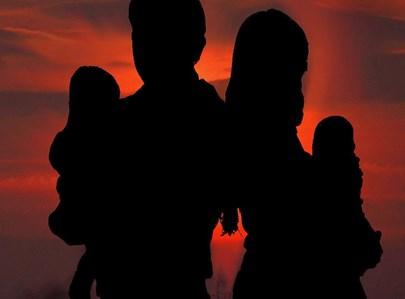 צללית משפחה