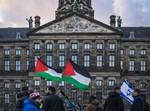 תומכי פלסטין לצד תומכי ישראל