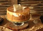 עוגת גבינה בציפוי ריבת חלב ושוקולד לבן