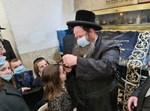 הרבי מדעעש ירושלים בחלאקה לנכדו במירון