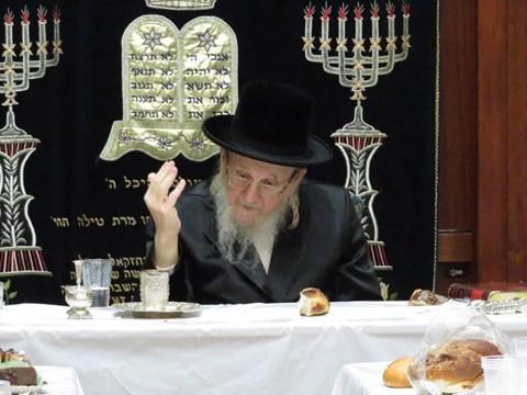 הרבי מאוז'רוב בטיש יארצייט