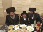 """הרב אקרמן ז""""ל עם חתנו הרב לנגר"""