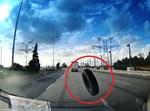 הגלגל באמצע הכביש
