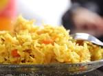 תבשיל אורז צהוב עם גזר ושערות חזה עוף