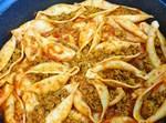 קונכיות פסטה גדולות במילוי בשר טחון