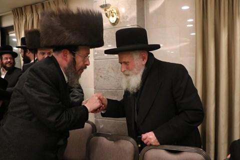 בר מצווה לנכד ראש ישיבת זוועהיל