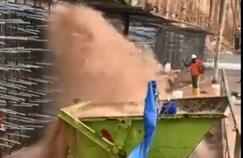 זרם הביוב באתר הבניה