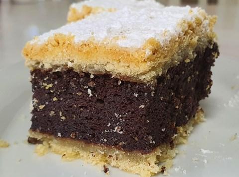 עוגת סנדוויץ' - שוקולד ובצק פריך