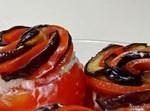 עגבניות במילוי גבינות וירק קצוץ