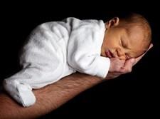 תינוק אחרי לידה
