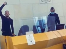 הצעירים משתוללים בבית המשפט