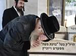 הרבי משאץ ויז'ניץ בציון אביו