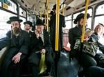 חרדים באוטובוס