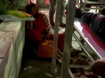 חולים זרוקים מחוץ לבתי החולים