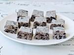 קוביות פאדג' שוקולד לבן ועוגיות אוראו