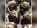 כדורי שוקולד עם אגוזים ובוטנים