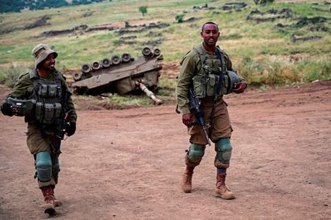 """חיילי צה""""ל מתאמנים"""