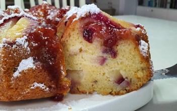 עוגת פרי וניל קייצית ומוצלחת