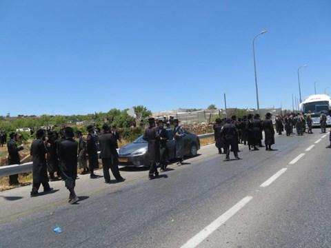 הפגנות בגוש עציון נגד חפירות קברים