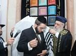 """הכתרת הגר""""ח כהן לרב קהילת אהל שם בגבעתיים"""