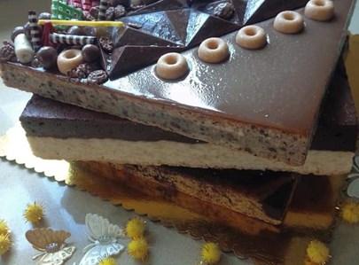 עוגת 3 קומות מיוחדת ומרשימה במיוחד