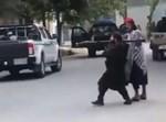 אחד מאנשי הטליבאן אוחז במשגר