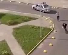 רוכב הקורקינט בורח מהשוטרים