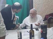 בצלאל סמוטריץ עם הרב חיים דרוקמן בסוכה