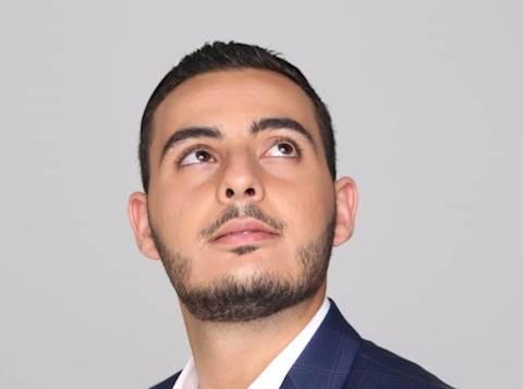 הזמר אריאל לוי
