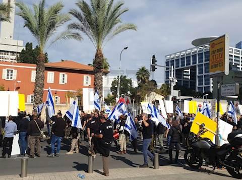 רכזי הביטחון הישוביים חסמו את צומת עזריאלי בתל אביב