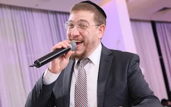 הזמר יוני ברגר