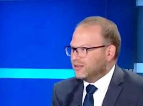 העיתונאי אביעד גליקמן