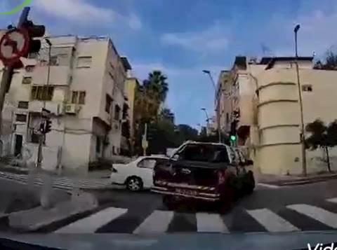 תאונה בצומת