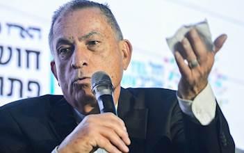 עיתונאי 'הארץ' גדעון לוי