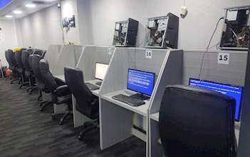 משרדים, משרד, כסאות, טלפנים, טלפניות, מוקד, מוקדן, מטה, חפ''ק, עבודה, עבודות, מוקדנים, מוקדניות, עמדה, עמדות (3)
