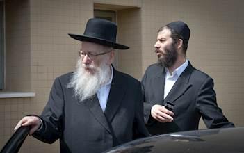 ליצמן עם עוזרו הבכיר בבצ'יק