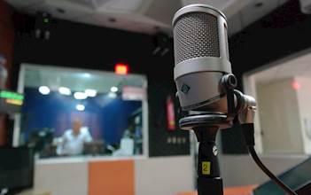 תקשורת, מוזיקה, אולפן, זמר, רמקול, מיקרופון, שדרן, רדיו (19)