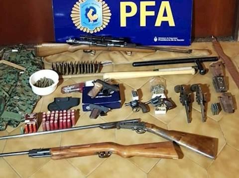 נשק שנמצא אצל טרוריסטים מחיזבאללה בארגנטינה