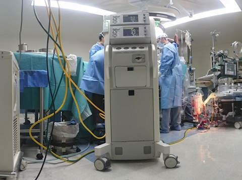 חדר ניתוח טיפול נמרץ. אילוסטרציה